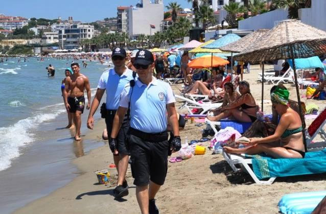 Plaj polisleri görevde