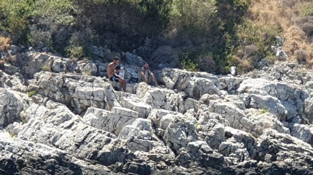 Kayalıklarda mahsur kaldılar