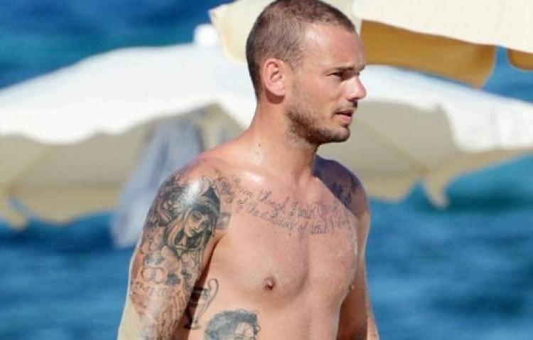 Wesley Sneijder Ada'dan arsa aldı