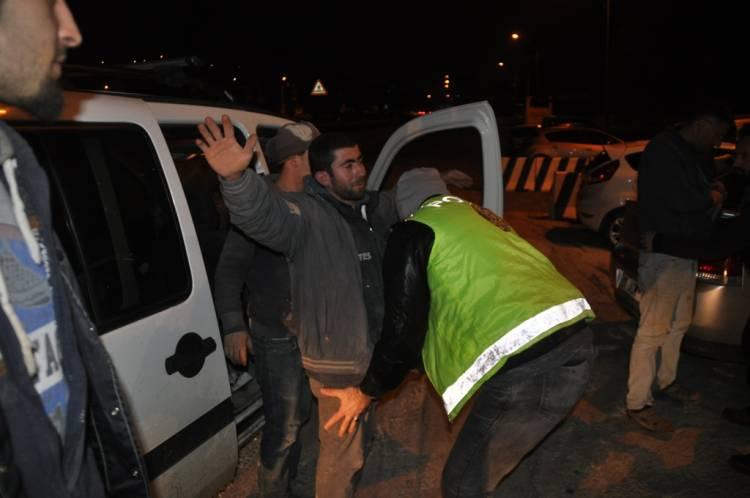 Kuşadası'nda polis uygulaması