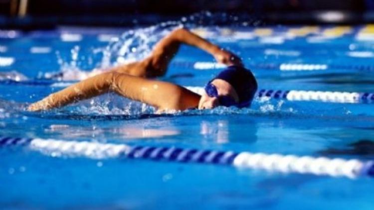 Derici Mustafa Gürbüz'den havuzda başarı