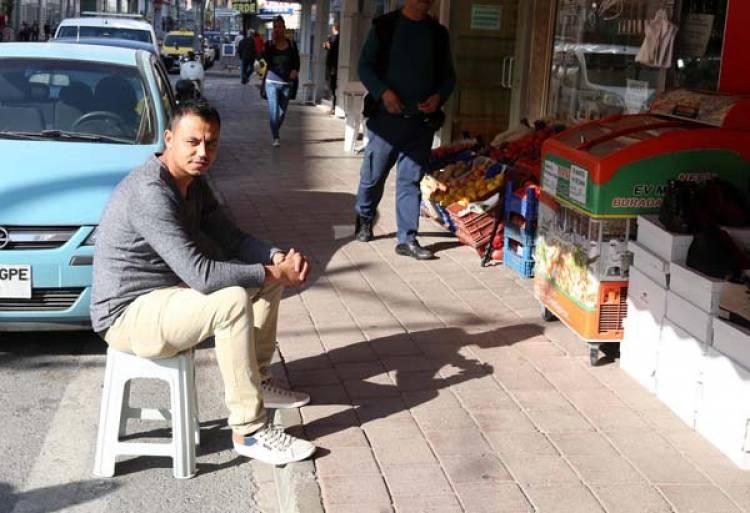 Aydın'da iş yeri önünde iki kişiden fazlası oturamayacak