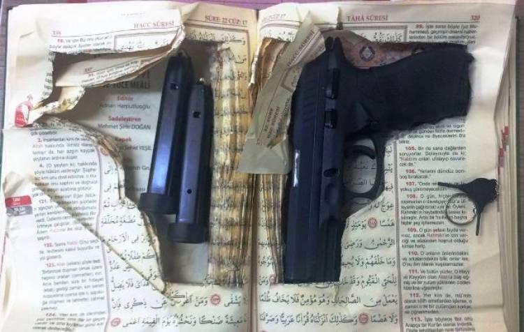 Kuranı Kerim içinde silah