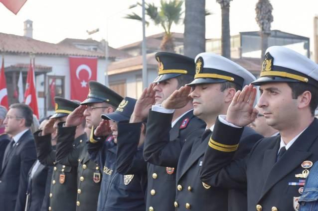 Atatürk Kuşadası'nda  anıldı