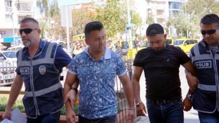 Aranan iki kaçak yakalandı