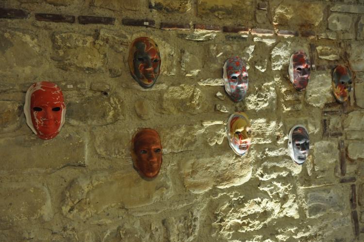 Kuşadası'nda Karma Mask sergisi