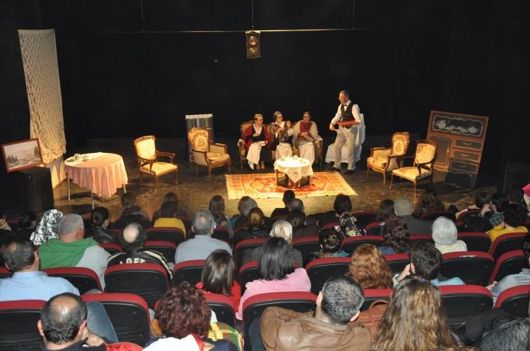 Kanaviçe Erkan Yücel sahnesinde oynandı