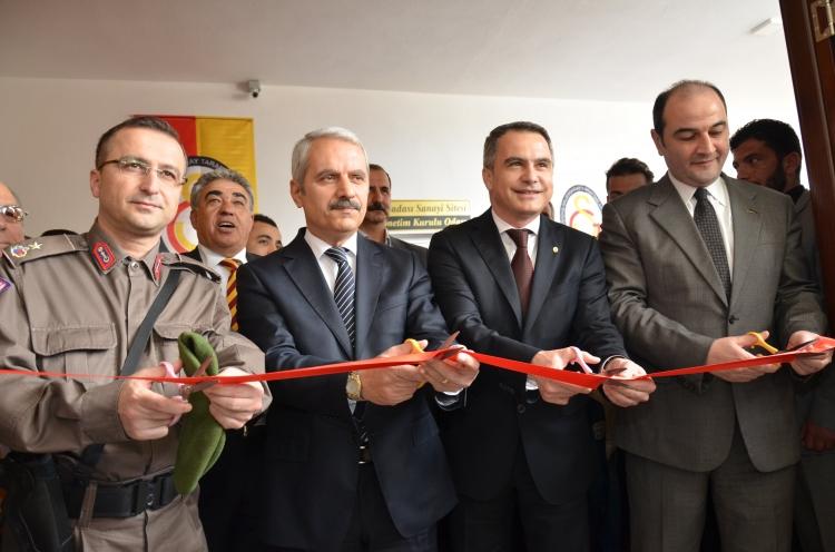 Kuşadası Galatasaray Taraftarlar Derneği Yeni Hizmet Binası Açıldı