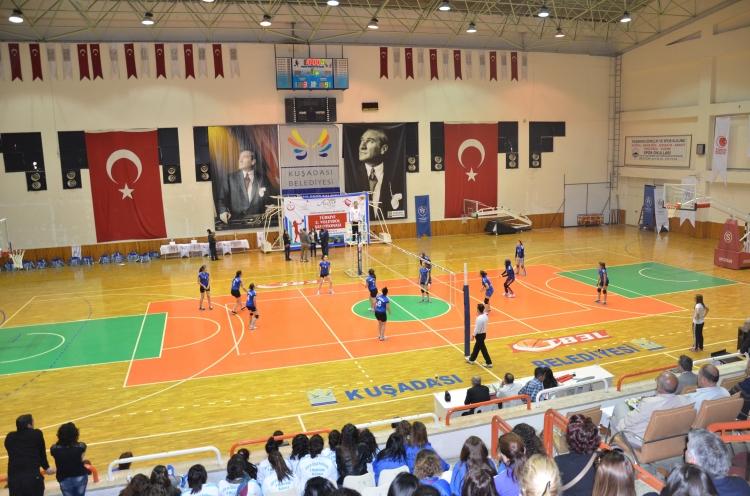 ÇHGM Türkiye 2. Voleybol Şampiyonası Kuşadası'nda son buldu