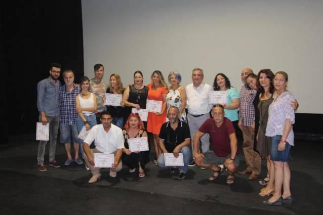 Tiyatro kursiyerleri sertifika aldı