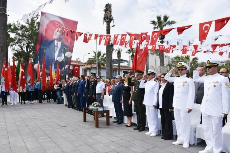 Kuşadası'nda 19 Mayıs Coşkusu