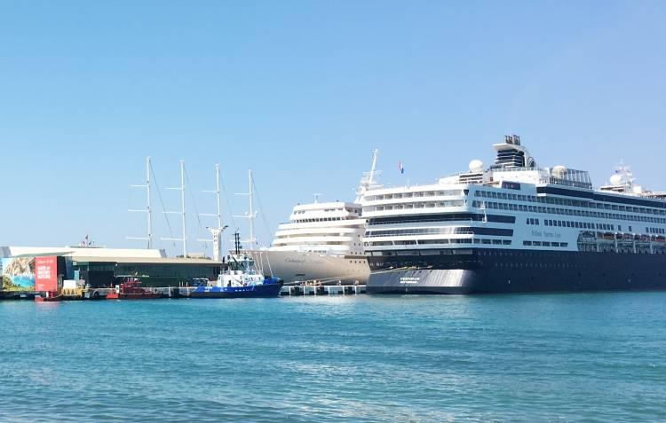 Bayramlık gemiler