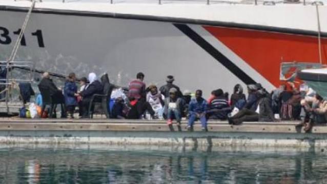 Kaptan göçmenleri Kuşadası'na getirdi